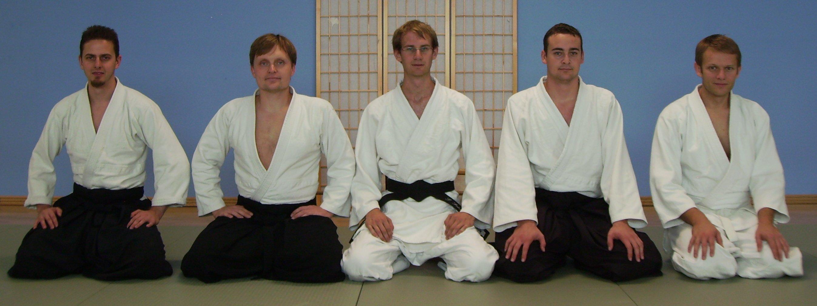 v.l.n.r: Alex (Uke), Elmar (Prüfer), Stefan (Prüfling), Andreas (Uke), Christoph (Uke)